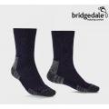 英國BRIDGEDALE HIKE LIGHTWEIGHT BOOT 男款 健行家 四季美麗諾中筒輕量襪 #710152-433 海軍藍/灰